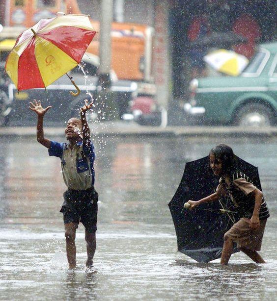 印度的浪漫雨中情