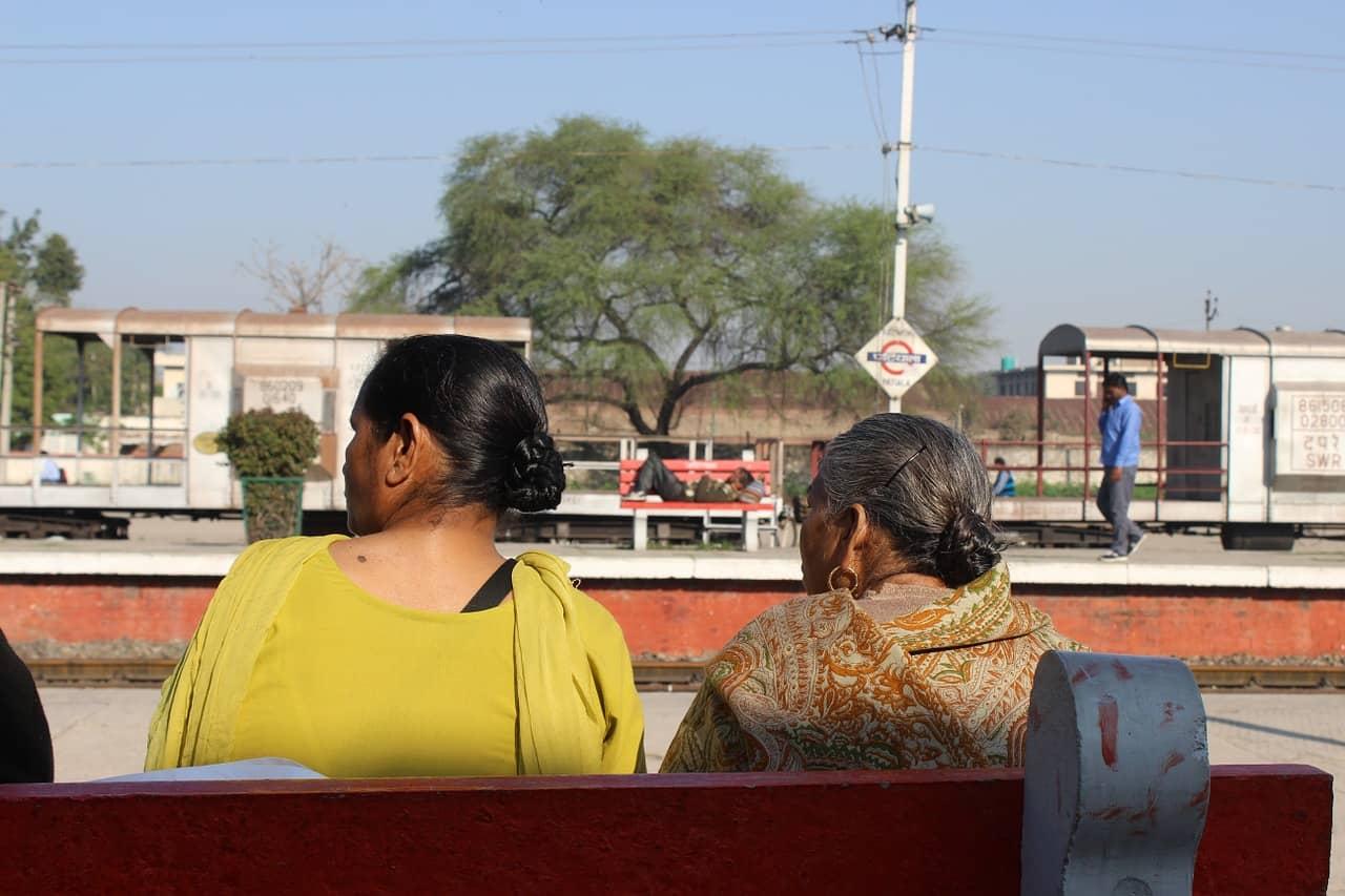 印度幫傭百態-倒茶和掃廁所的區別