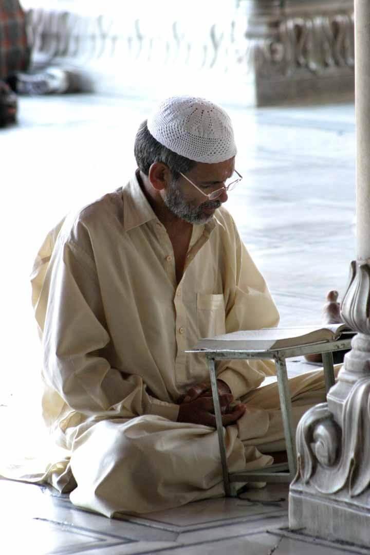 印度男人頭上的文化密碼:叔叔的頭可是有練過的!