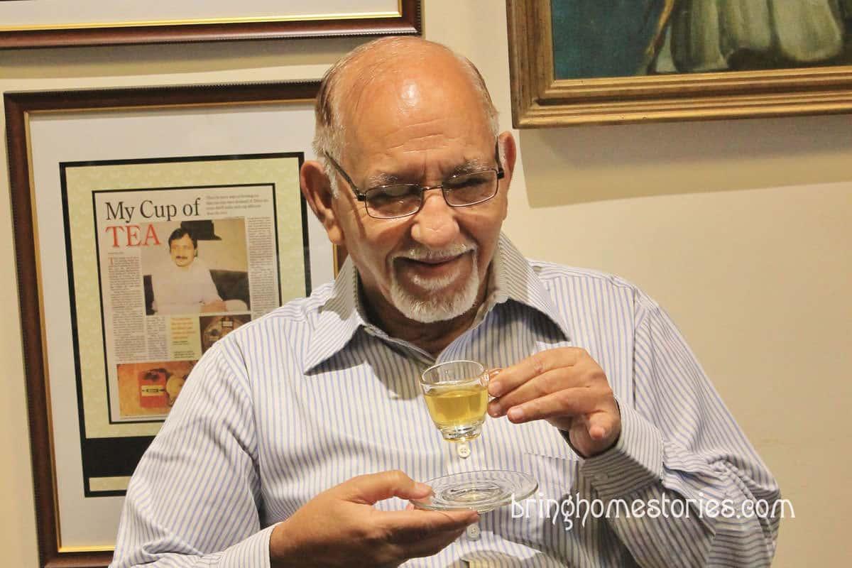 紛亂舊德里大街上的寧靜古董茶店:Aap Ki Pasand 你的選擇