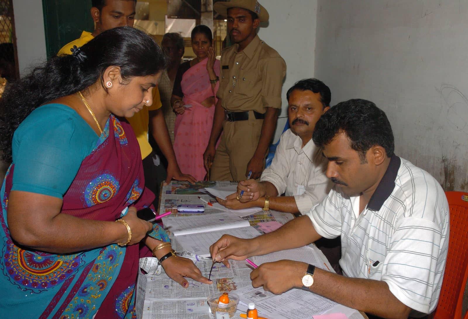 消失的2000多萬票!為什麼有些印度女性依舊不能投票?