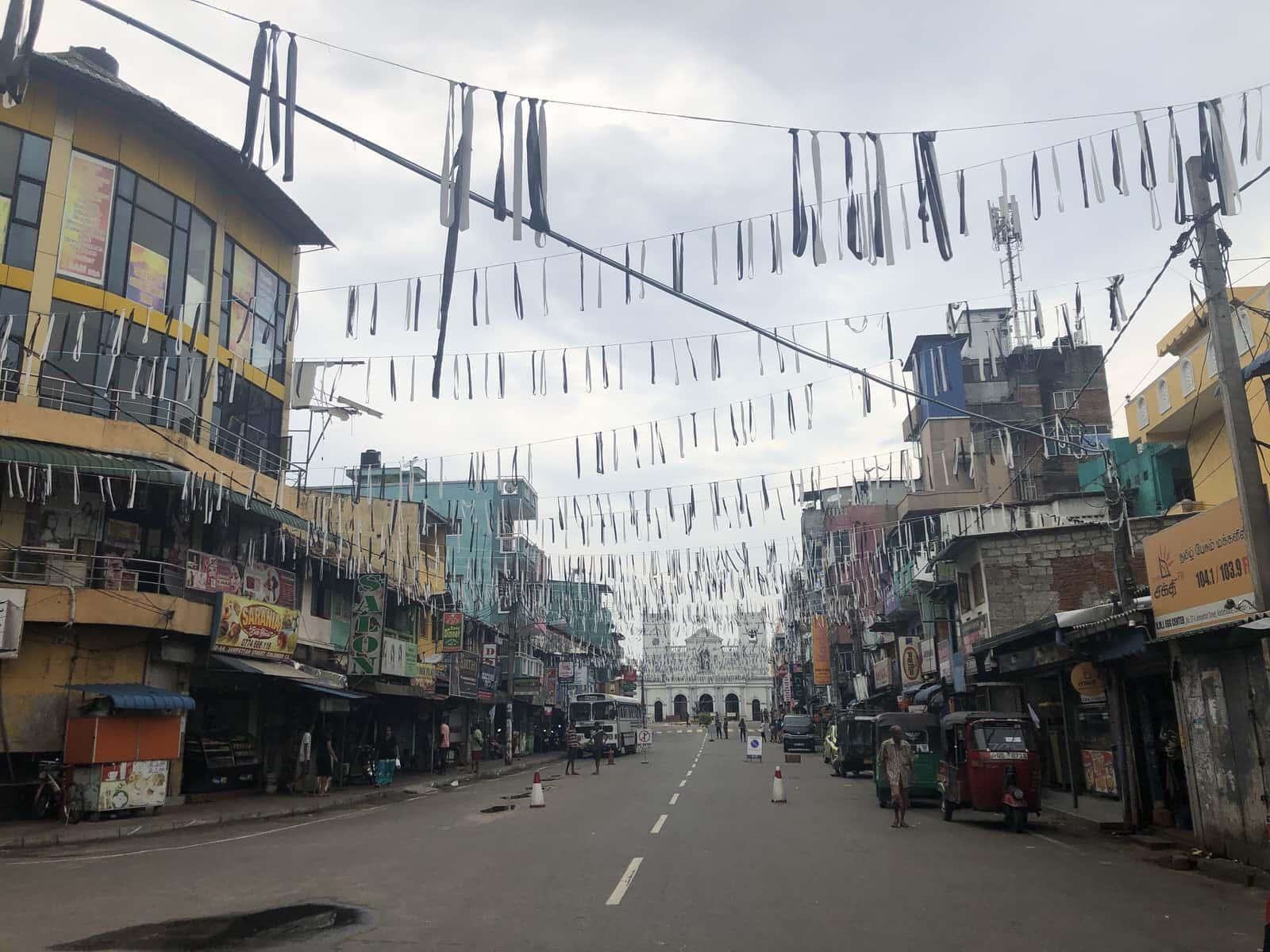 斯里蘭卡「戰地」手記:跟他打招呼的鄰居,變成了自殺炸彈襲擊者