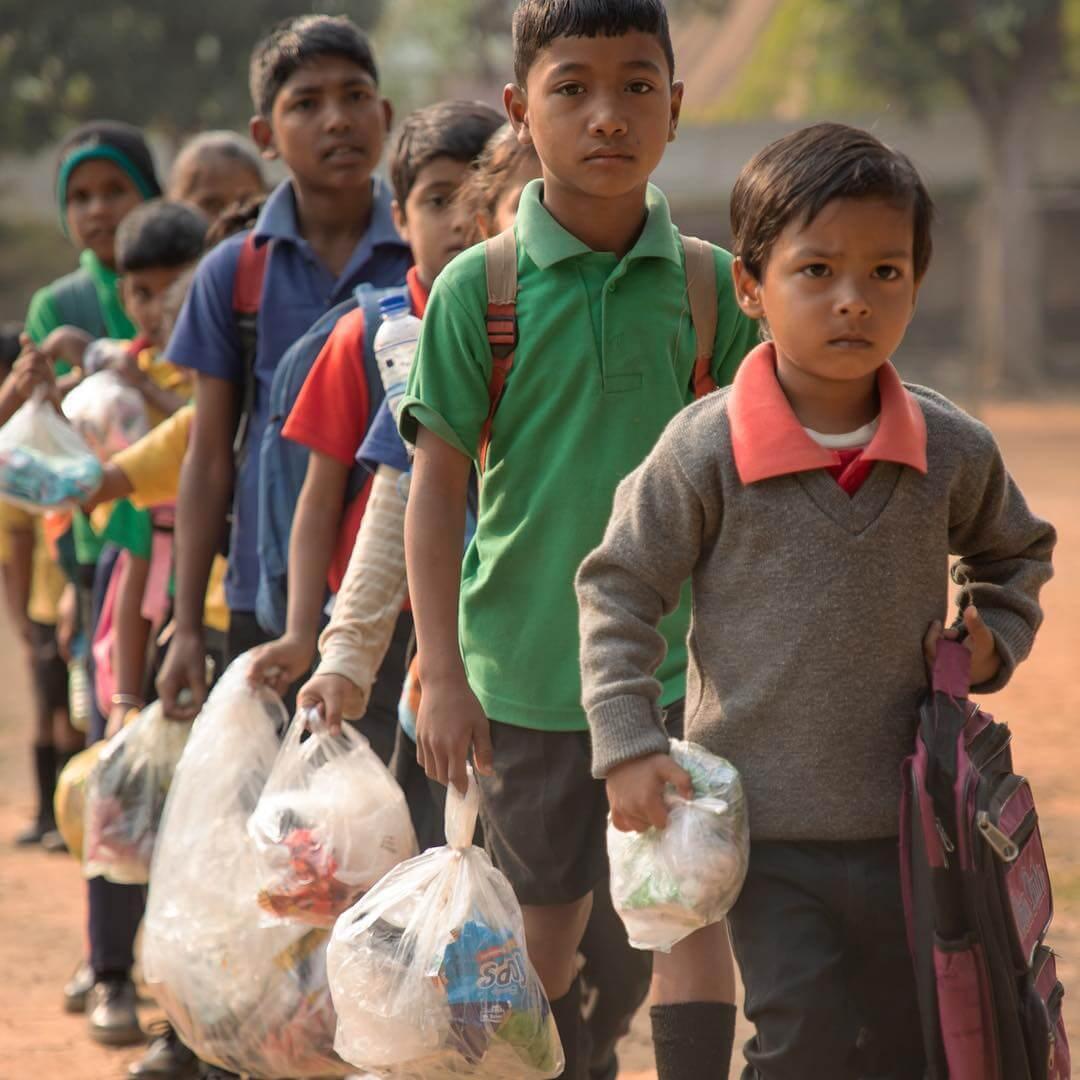 環保換教育:以塑膠垃圾代替學費的印度教育機構