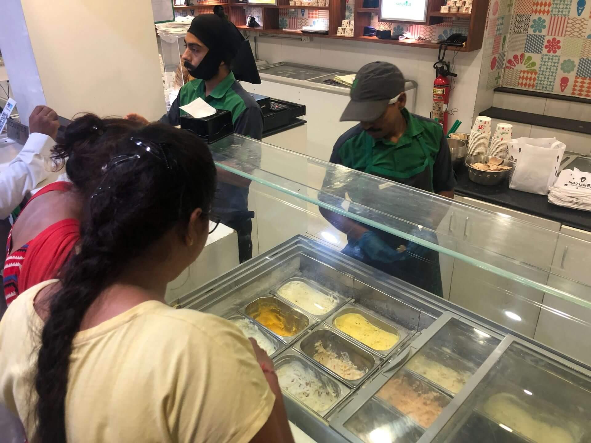 印度必吃:甜食控保證沉淪的冰淇淋老字號 Naturals Ice Cream