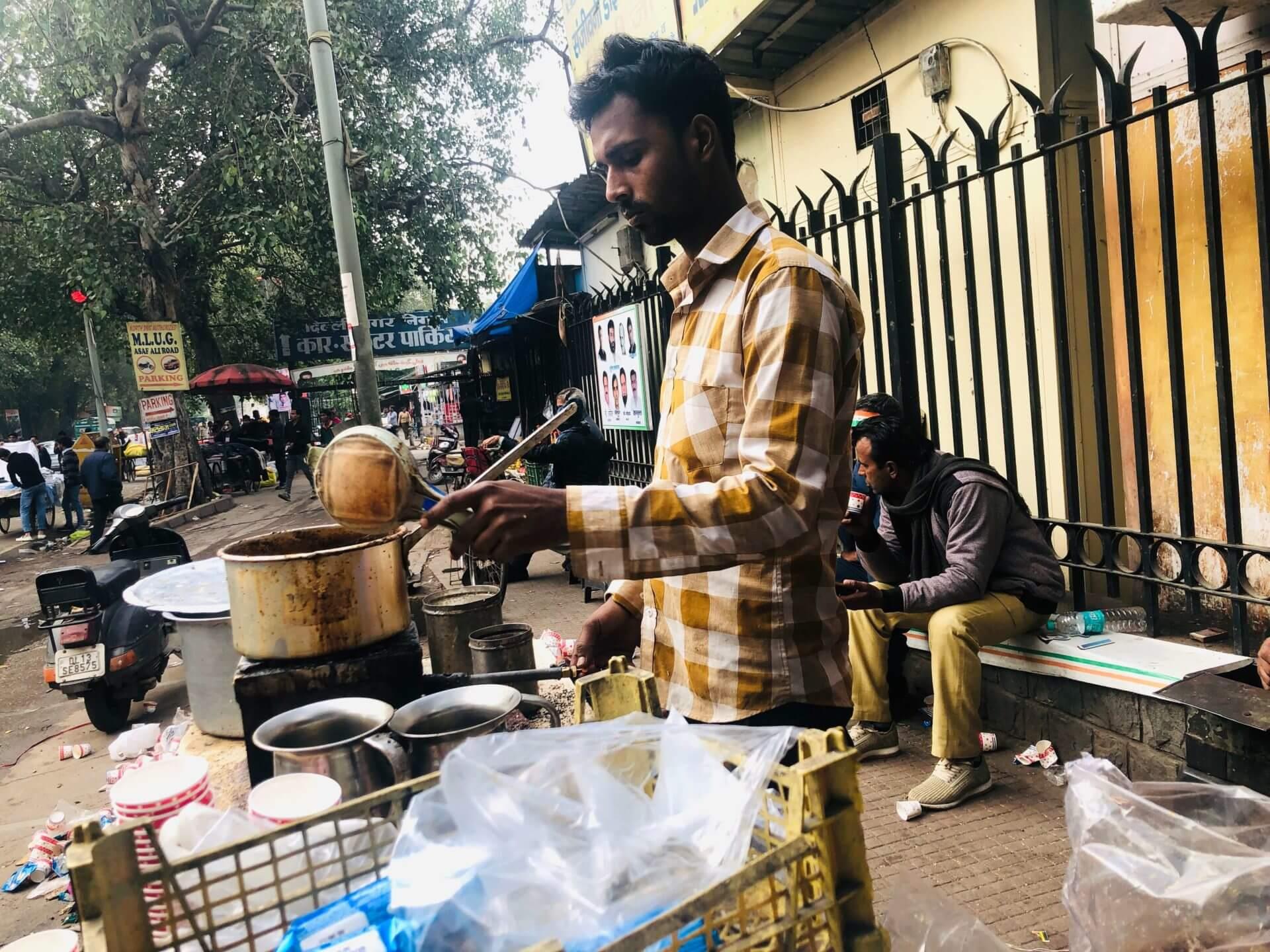 在印度準時很難:只能早到或晚到,香料奶茶打發的分秒