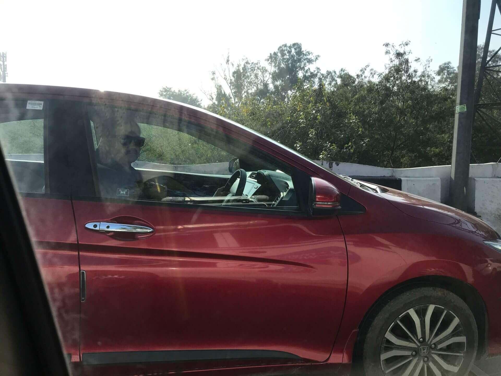 女駕駛上路!新德里機場就可搭,印度婦女安全有保障