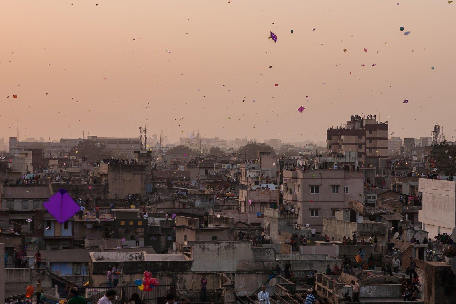 解悶就要放風箏!印度疫情封鎖下的小樂趣