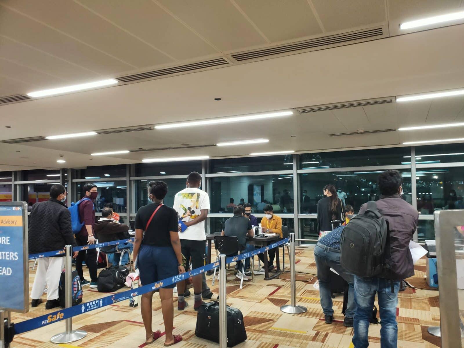 新冠疫情:從臺灣搭機入境印度全紀錄